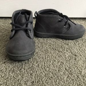 OshKosh B'Gosh toddler boots size 6